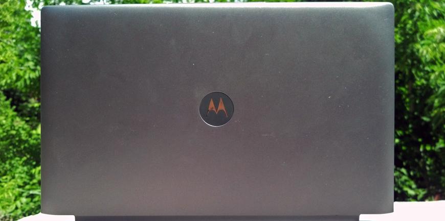 Motorola-Lapdock-100-003