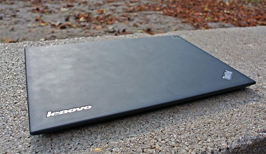 Lenovo-ThinkPad-X1-Carbon-003
