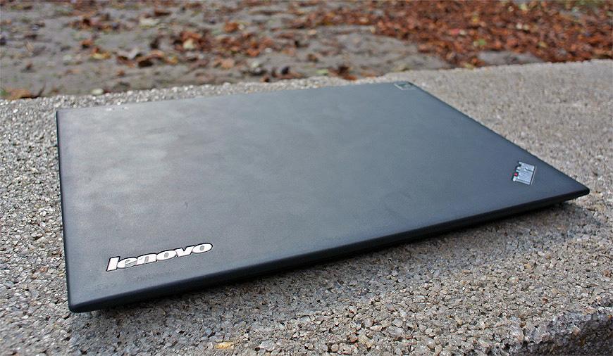 Lenovo-ThinkPad-X1-Carbon-003