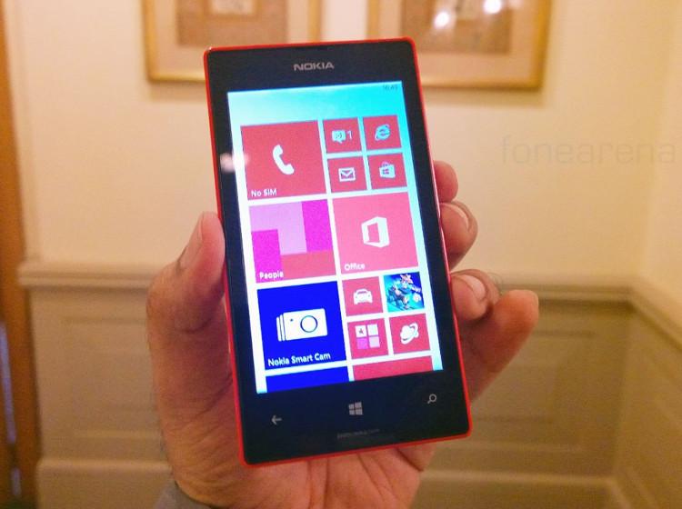 Nokia-Lumia-525-2