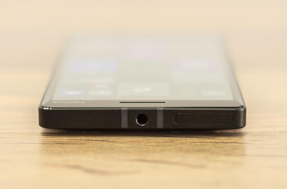 Nokia_Lumia_930-5