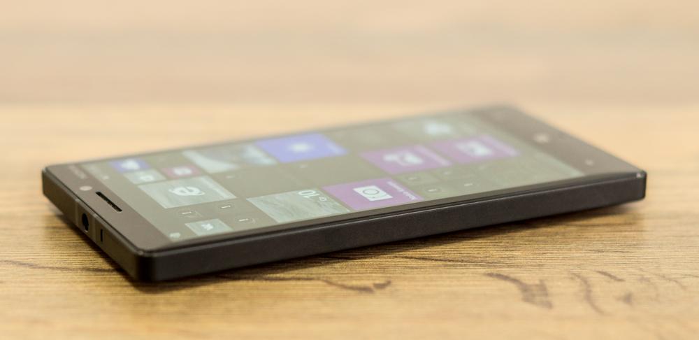 Nokia_Lumia_930-8