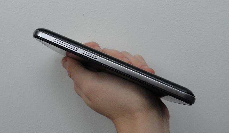 Prestigio-MultiPhone-5503-DUO_10