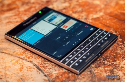 blackberry-passport_04