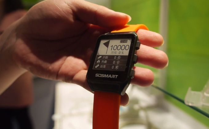 Onyx E-Ink — «умные» часы с E-Ink дисплеем