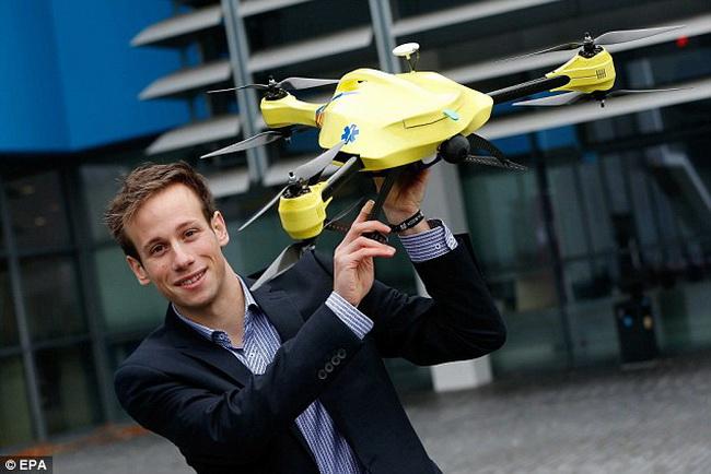 Голландский студент создал дрон скорой помощи