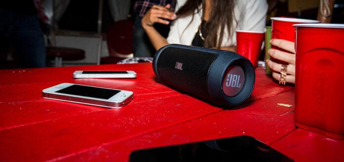 Bluetooth-колонка JBL Charge 2
