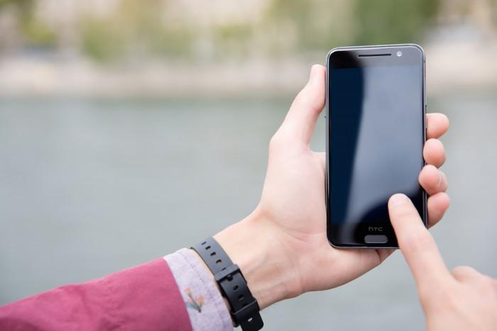 HTC официально представила собственный клон iPhone 6— смартфон One A9
