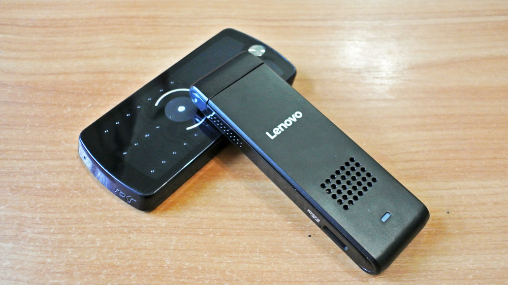 Lenovo-IdeaCentre-Stick-300-002