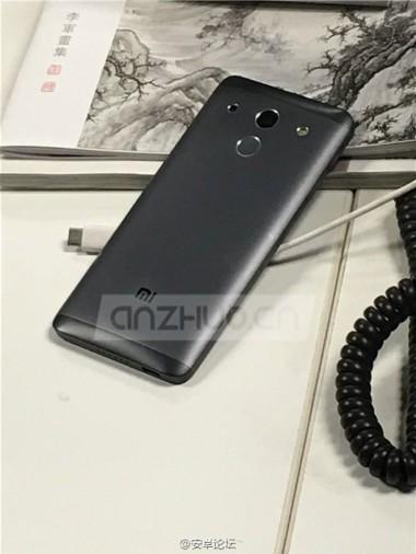 sm.xiaomi-mi5-black_1.750