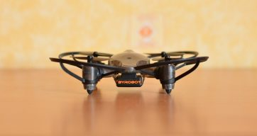 Обзор неоднозначного боевого квадрокоптера Byrobot Drone Fighter