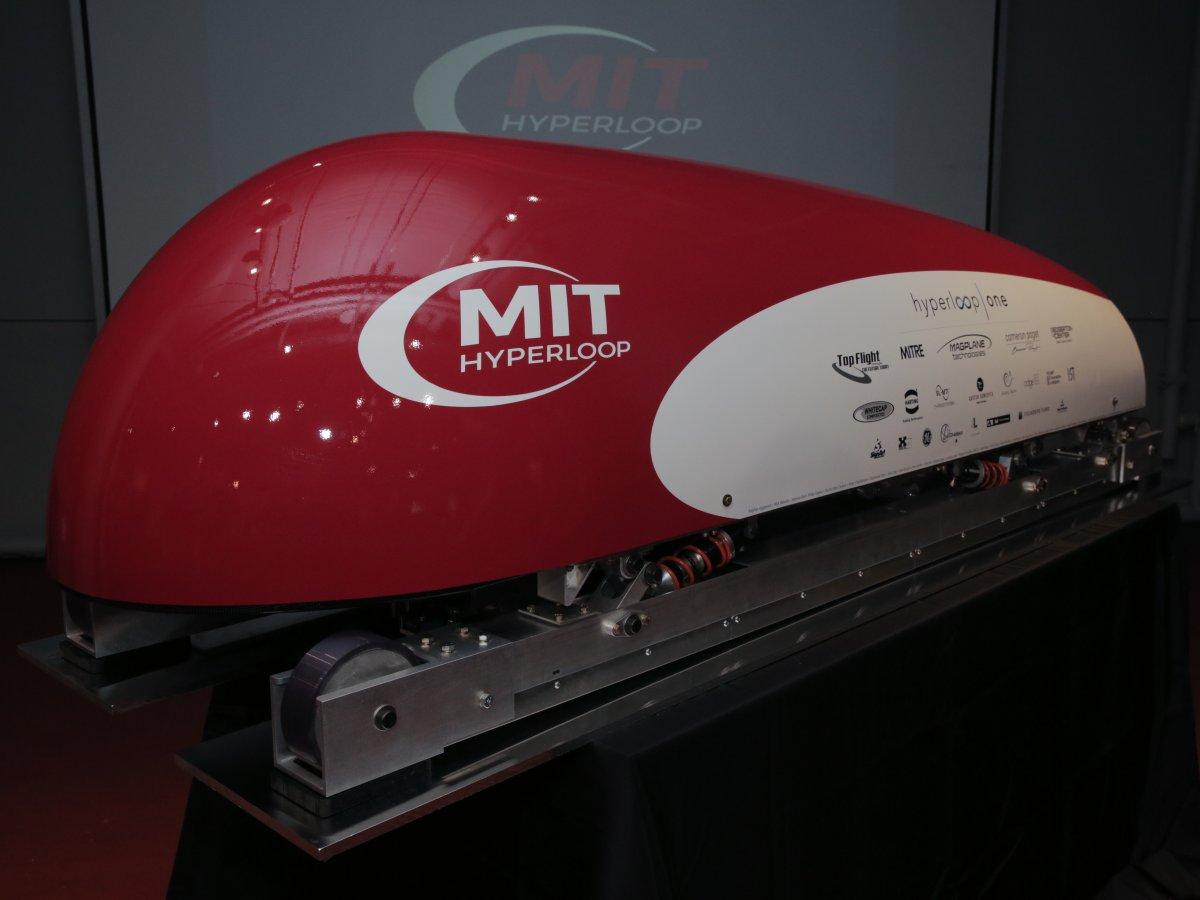 Hyperloop: как насчёт гонок вакуумных поездов?