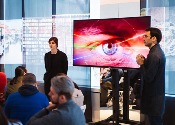 Samsung поможет людям, испытывающим проблемы со зрением