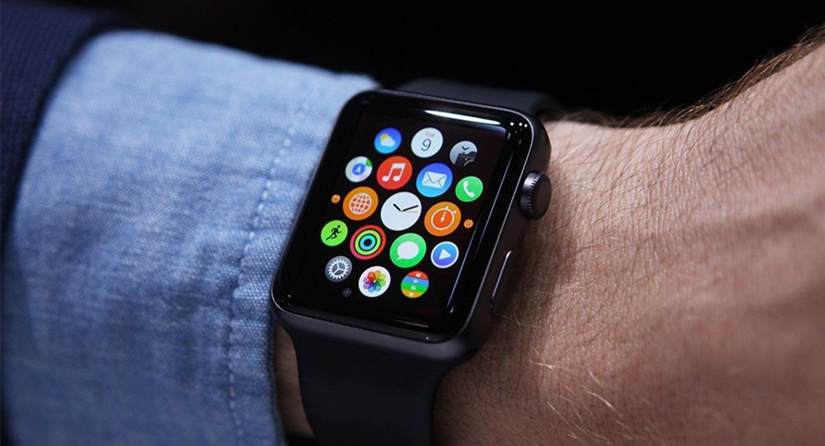 Ученые создали «умные часы», определяющие начало заболеваний