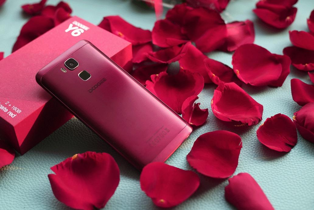 Не по карману красный iPhone? DOOGEE Y6 Agate Red порадует вас уже сейчас!
