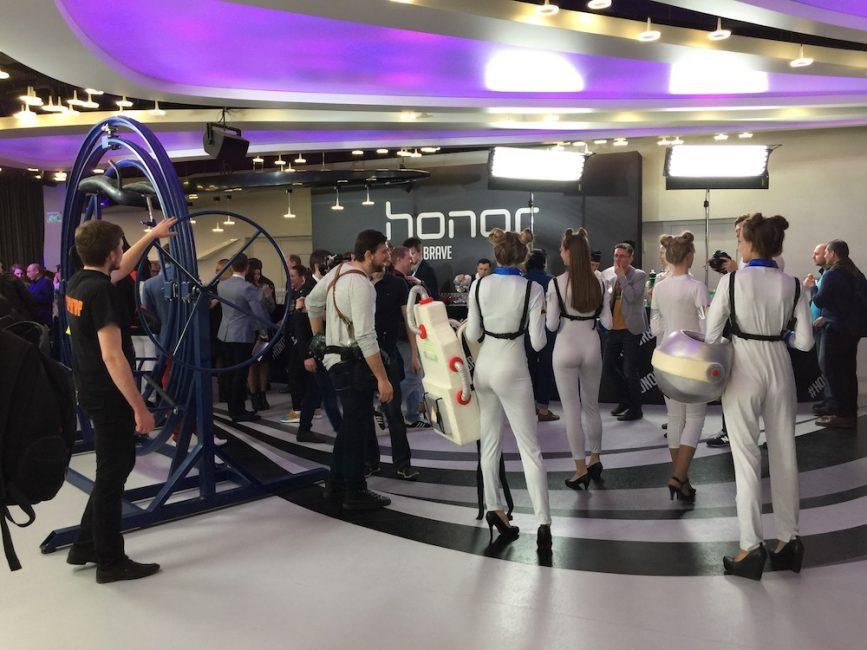 Смартфоны Honor 8 Pro и Honor 8 Lite представлены в России