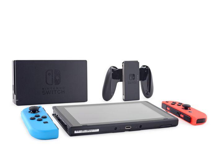 iFixit розібрали Nintendo Switch визначивши ступінь ремонтопридатності