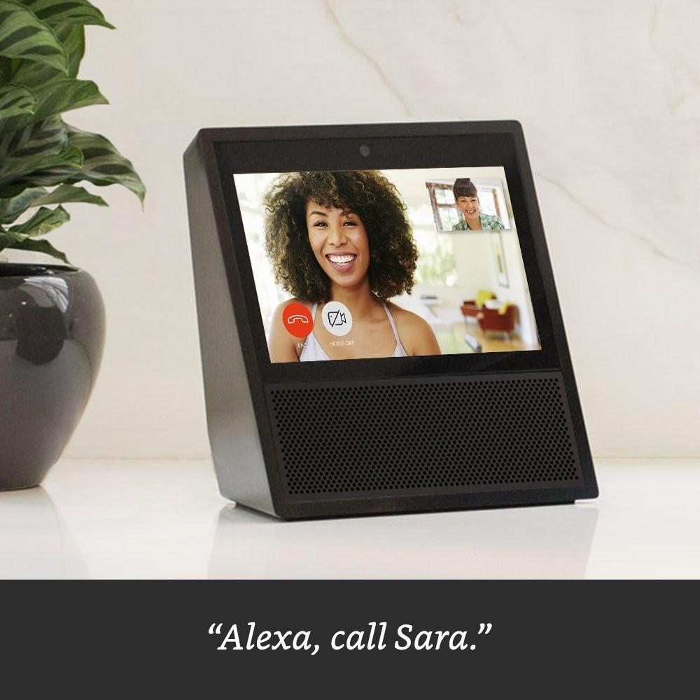 Amazon представила голосового помощника Echo Show с сенсорным экраном за $230