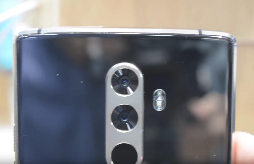Відео: CEE 2017 - Загадковий смартфон DOOGEE з трьома камерами та батареєю 7000 мАг