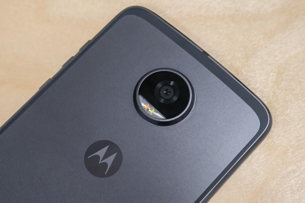 Камера Motorola Moto Z2 Play