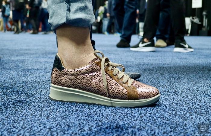 Обувь E-vone понимает, когда вы упали, и сообщает об этом близким людям