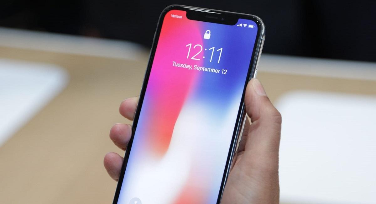 """Известная компания Huawei создала новый смартфон с """"бровью"""",  похожей на аналог iPhone X"""