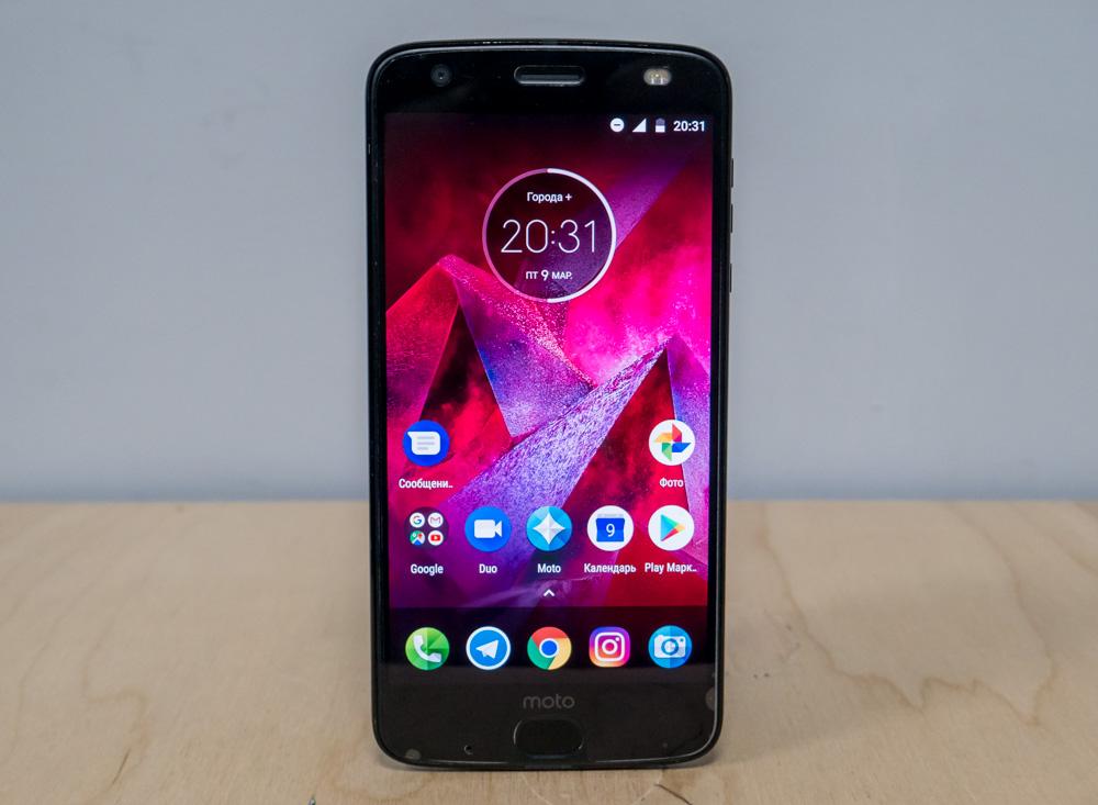 Огляд Motorola Moto Z2 Force - найміцніший флагман