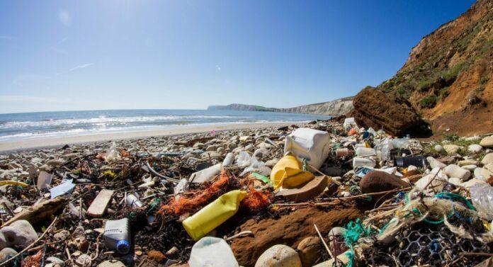 PLASTIC-OCEAN -title