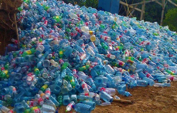 Ученые случайно получили фермент, поглощающий пластик