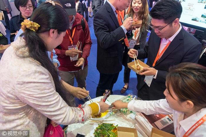 Китаец изобрёл робота-повара в надежде избавиться от постоянных упрёков жены