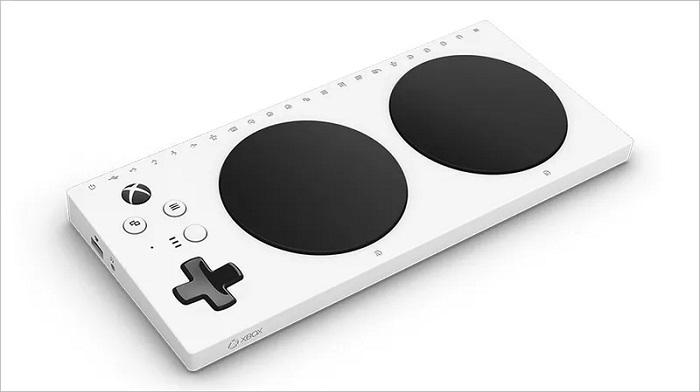 Microsoft анонсировала новый адаптивный контроллер для геймеров с ограниченными возможностями