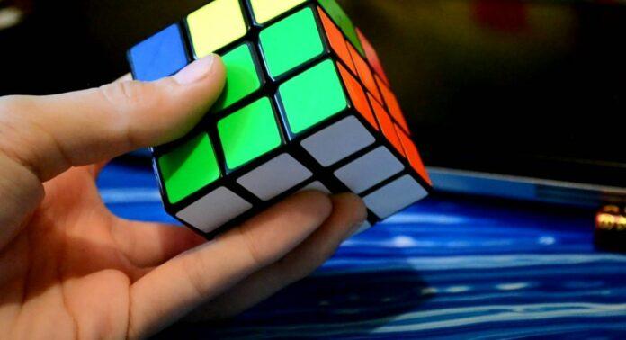 кубик Рубика -title