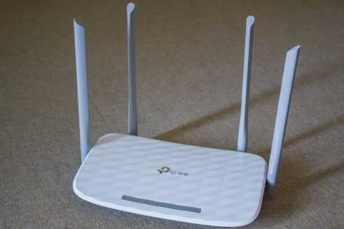 TP-Link Archer C5 v4 review - Affordable gigabit AC router - Root Nation