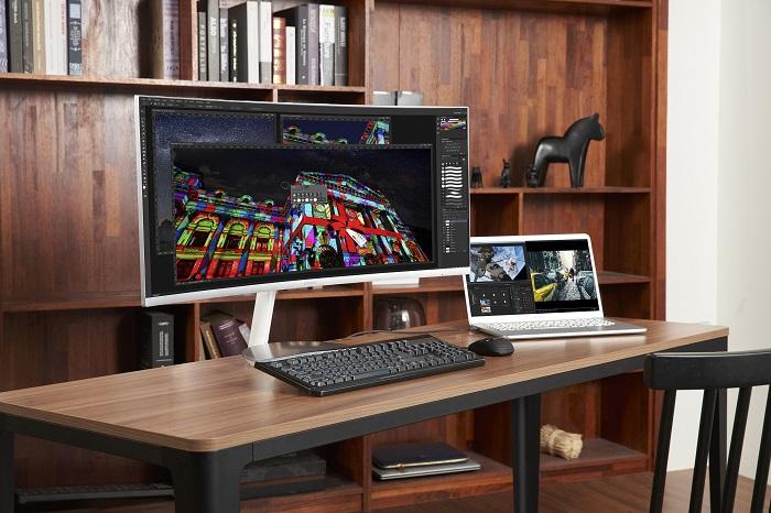 Samsung представила изогнутый QLED-монитор CJ79 с интерфейсом Thunderbolt 3