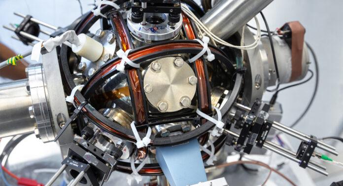 Quantum accelerometr