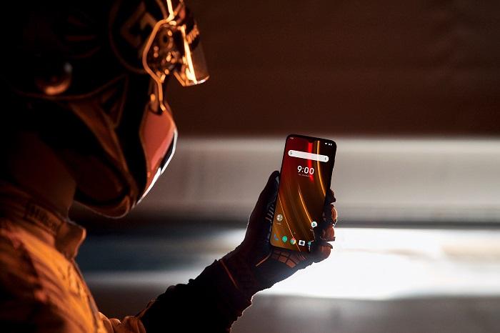 """""""Скоростной"""" смартфон уже здесь: OnePlus представила 6T McLaren Edition"""