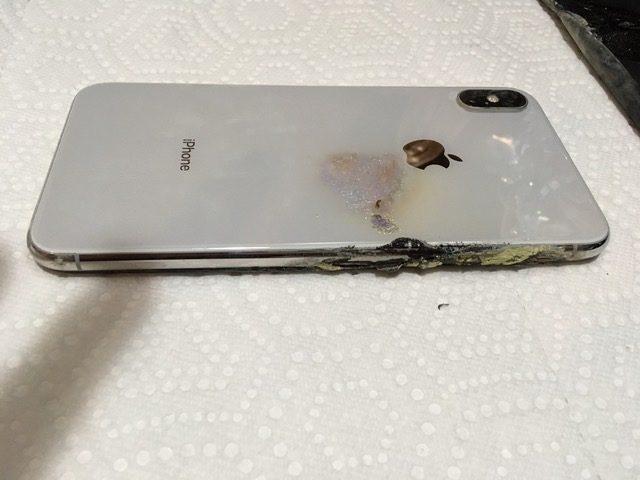 Дорогой не значит надежный: iPhone XS Max загорелся в кармане владельца