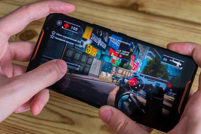 Видео: Обзор геймерского смартфона ASUS ROG Phone от Channel Next