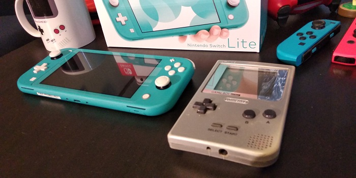 Nintendo Switch Lite compared to Game Boy Pocket