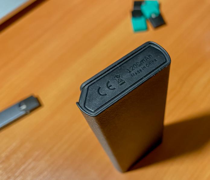 Jmate P4 Portable Charging Case
