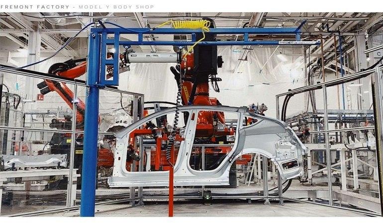 Кросовер Tesla Model Y на пiдходi