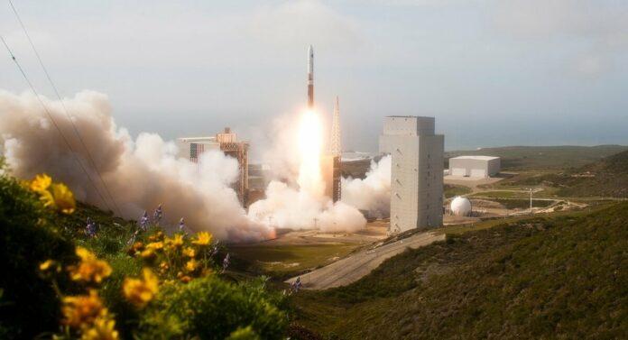 Місія NROL-82