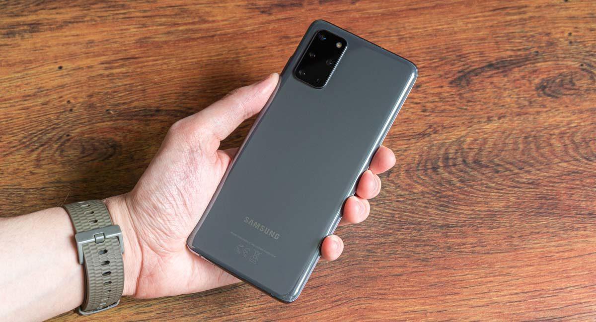 Обзор Samsung Galaxy S20+ – Золотая середина?