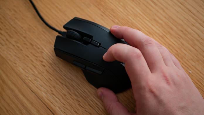 Обзор геймерской мышки Corsair Ironclaw RGB Black