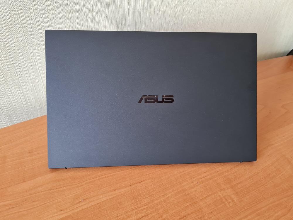 ASUS ExpertBook В9