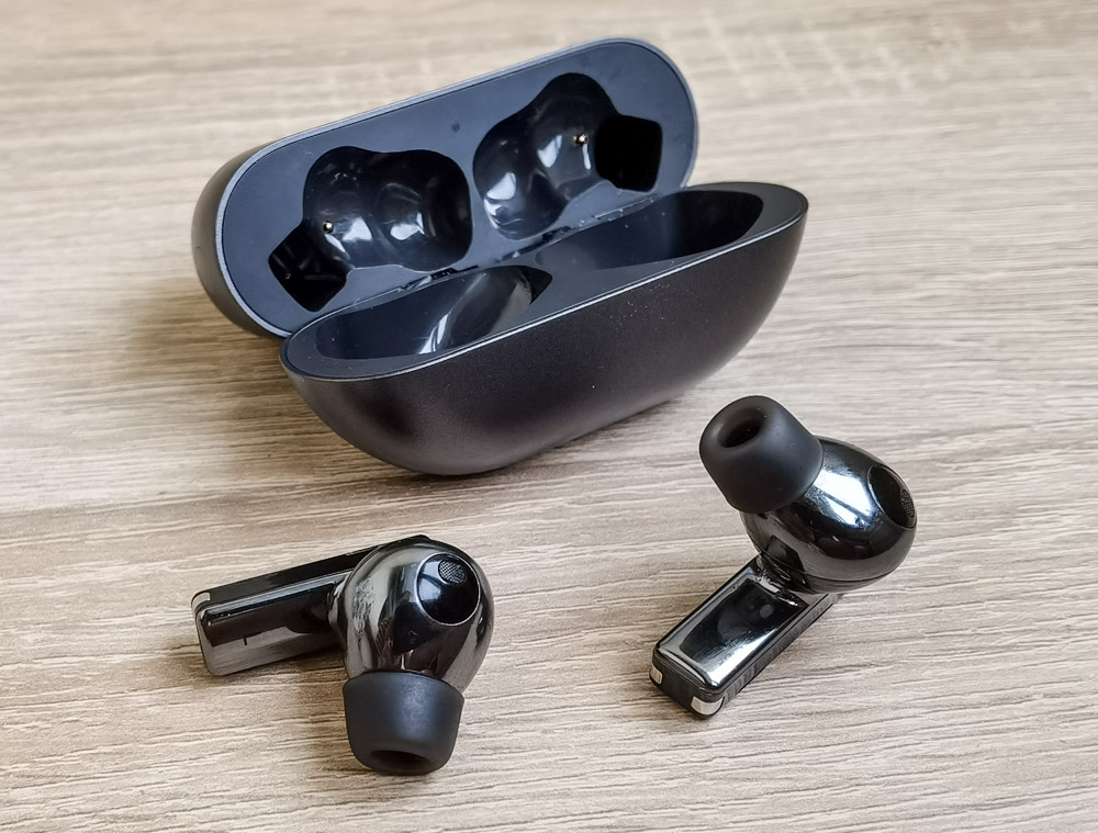 Huawei FreeBuds Pro review. Near Perfect TWS Earbuds