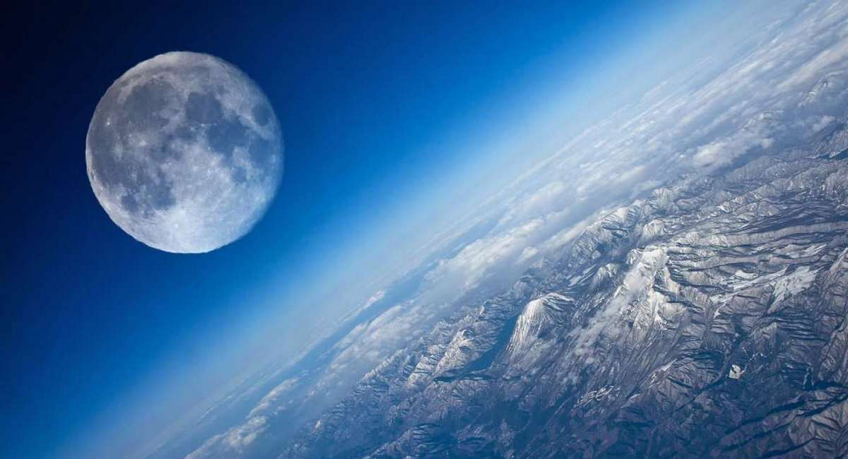 Що б сталося, якби Місяць був удвічі ближче до Землі?