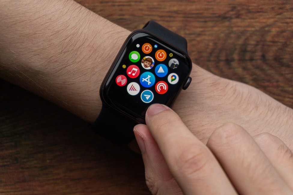 WatchOS 7 - Apple Watch SE