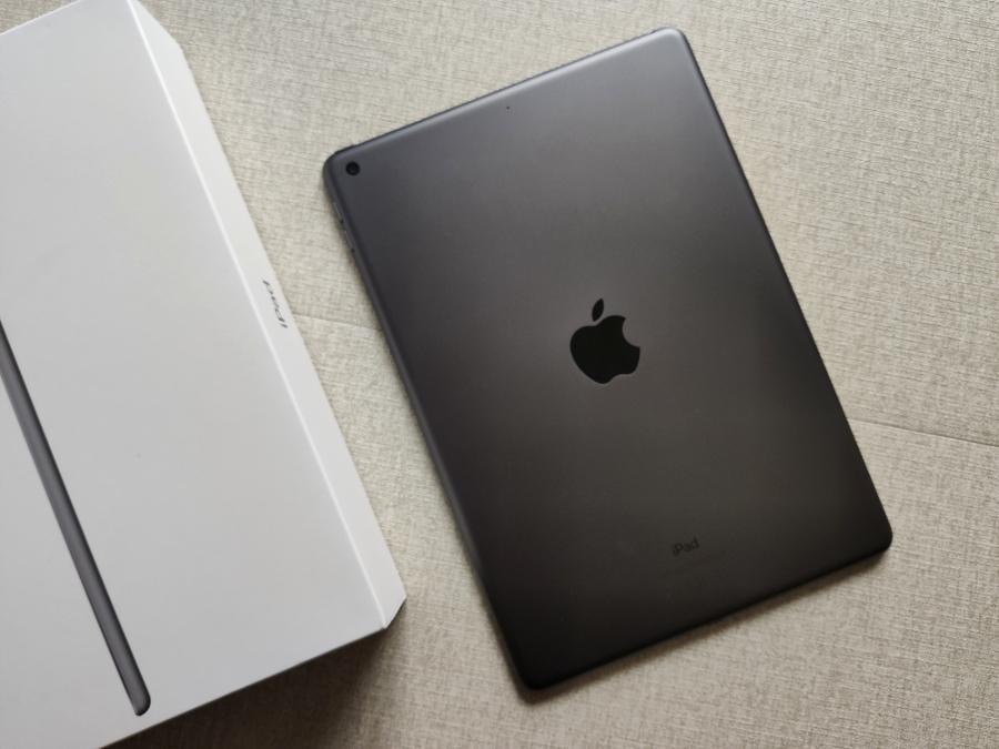"Apple iPad 10.2"" 2020"