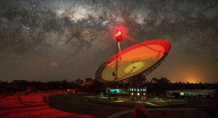 night parkes radio telescope